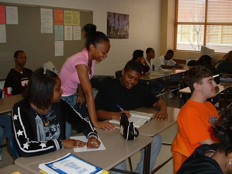 Uploaded Image: Fellow working with students Marietta 2004.jpg